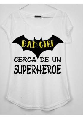 CAMISETA BAD GIRL CERCA